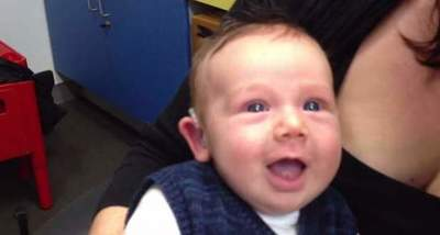 Deaf from birth the baby hears the mother's voice for the first time