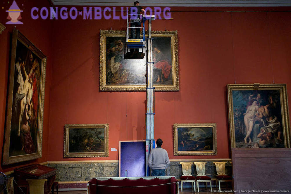 How to mount the art in the Hermitage
