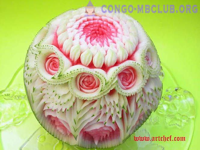 Incredible sculptures made of watermelon